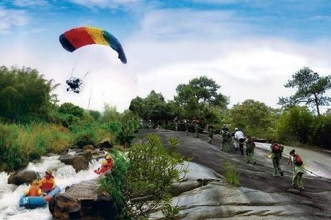 主页 漳州旅游频道 长泰  长泰马洋溪漂流全程约8公里,途经70余个跌水