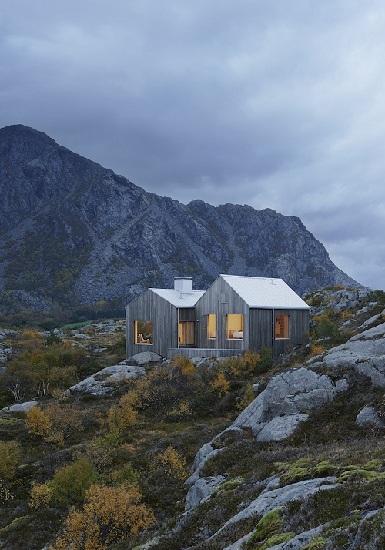 北欧风格的尖顶设计 挪威维加岛的山中木屋(1/11)