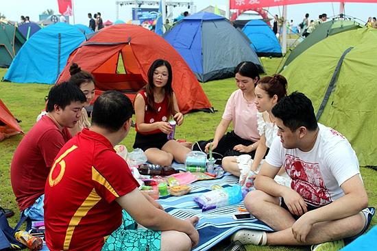 6000旅友齐聚露营盛会 数千顶帐篷绽放双鱼岛·海梦湾